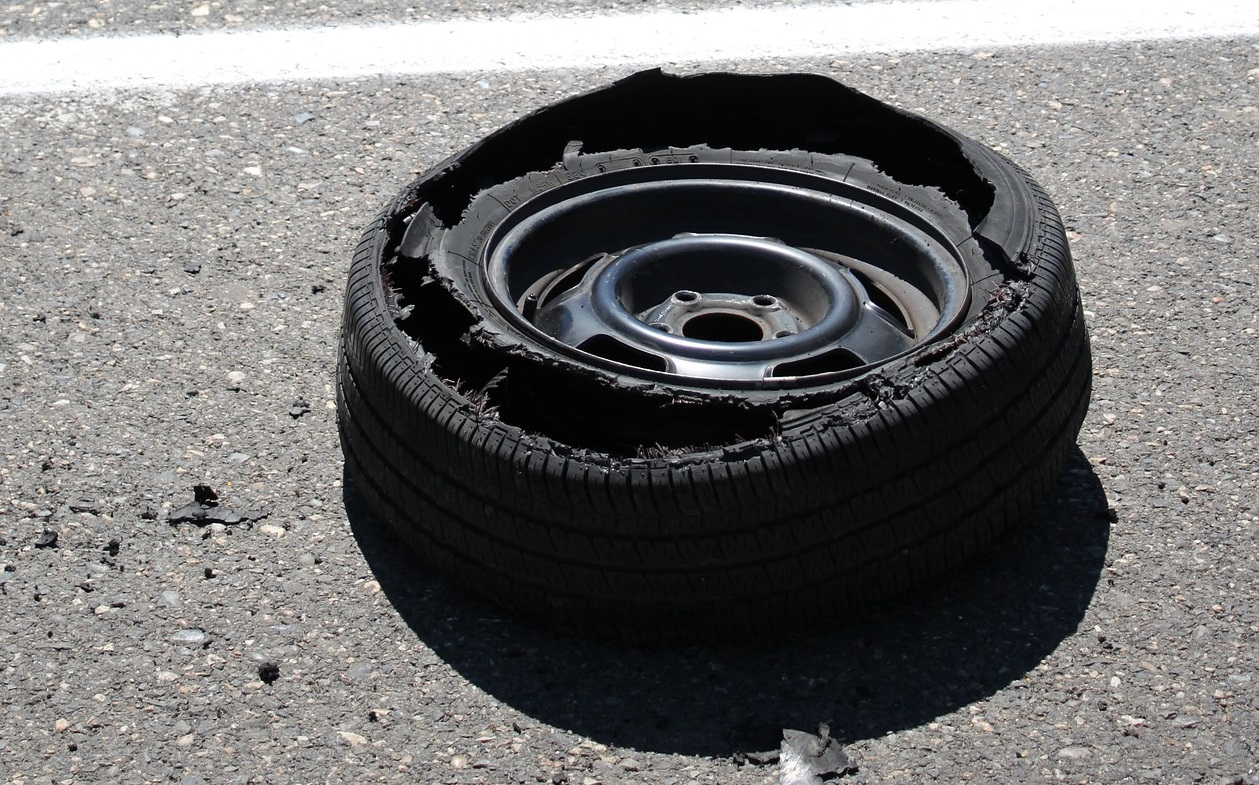 Read more about the article 3 Simple Tips To Prevent Tire Blowouts