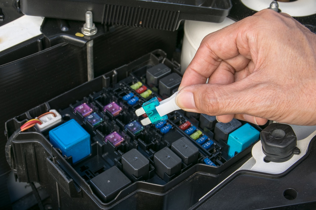 Read more about the article Know Your Car's Electrical Problems